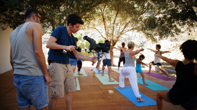 filming-crew-yoga-on-crete